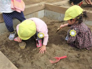 砂場かけっこ (3)