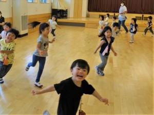 gホールで遊ぶ (1)