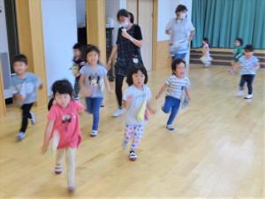 gホールで遊ぶ (6)