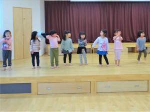g中ホールでダンス (1)