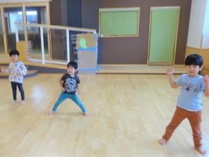 g中ホールでダンス (5)