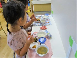 昼食準備・昼食 (12)