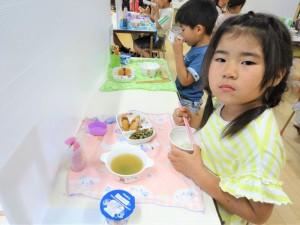 昼食準備・昼食 (7)